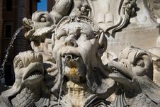 Free Roman Fountain Stock Photography - 4603692