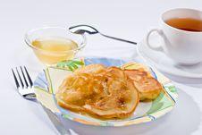 Free Pancakes With Honey Royalty Free Stock Image - 4606516