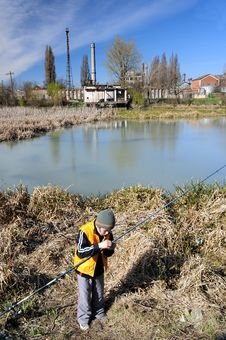Free Little Boy Fishing Stock Image - 4608831