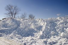 Free Huge Snowdrifts In Park Stock Photos - 4610553