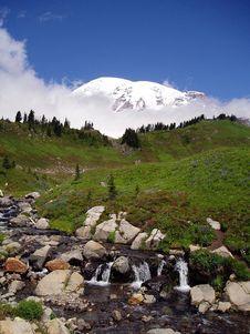 Free Mt Rainier Too Royalty Free Stock Photo - 4612815