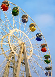 Free Big Ferris Wheel On Cloudy Sky Stock Photos - 4613013