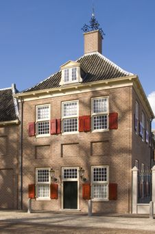 Free Building At Paleis Het Loo Royalty Free Stock Photo - 4615015