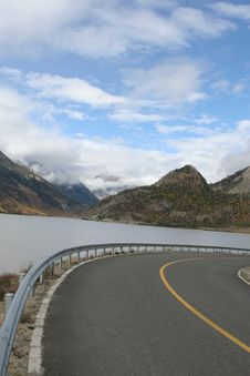 Make A Right Turn Bysides The Lake At The Tibet Stock Image