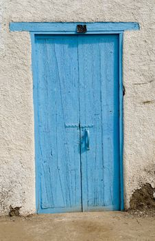 Free Blue Door In A White House Royalty Free Stock Photo - 4617525