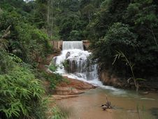Free Waterfall Royalty Free Stock Photo - 4618825