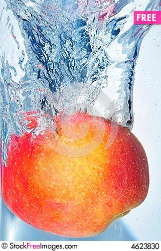 Free Splashing Apple Stock Photo - 4623830