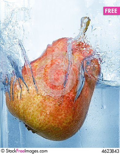 Free Splashing Pear Stock Photos - 4623843