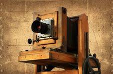 Free Retro Camera Royalty Free Stock Photography - 4620217
