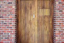 Free Door In The Wall Stock Image - 4627011