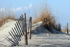 Free Fence In Dunes Royalty Free Stock Photography - 4627457