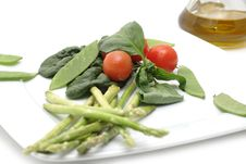 Free Vegetables On A Plate Stock Images - 4628874