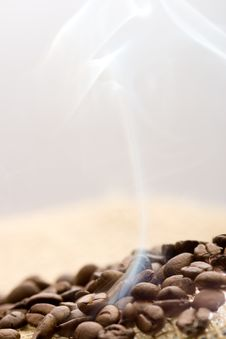 Free Roasted Coffee Beans Royalty Free Stock Photos - 4634458
