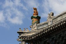 Free Chinese Dragon On Roof Stock Photo - 4634880