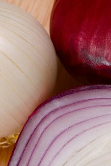 Free Red And White Onions Royalty Free Stock Photos - 4640408