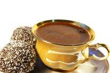 Free Cup Of Coffee And Sweet With A Coco Royalty Free Stock Image - 4641186