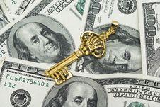Free Golden Key On Dollars Stock Image - 4642251