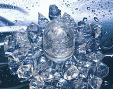 Free Glass With Water And Ice Stock Image - 4643441
