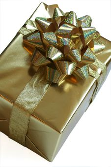Free Gold Present With Ribbon Royalty Free Stock Photography - 4644647