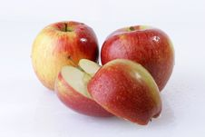 Free Red Apple Royalty Free Stock Image - 4647166