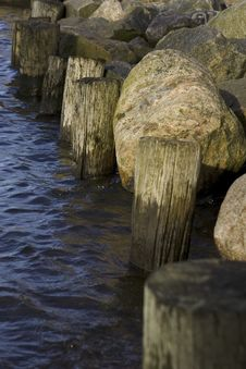Free Rocky Shoreline Stock Photos - 4648073