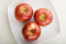 Free Three Apples Stock Images - 4648534