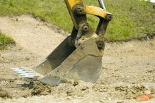 Free The Shovel End Of A Backhoe Royalty Free Stock Images - 4652429