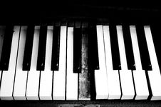 Free Old Piano Stock Photo - 4654820