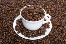 Free The Cup Full Of Coffee Beans 3 Royalty Free Stock Photos - 4655428