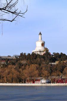 Free Holy Land Stupa Royalty Free Stock Photos - 4657768