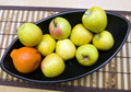 Free Black Japanese Vase With Apples And Tangerine Stock Images - 4663394