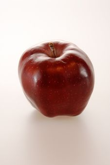 Free Deep Red Apple Stock Photo - 4660470