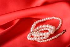 Free Pearl Necklace Stock Images - 4661324