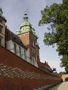 Free Royal Wawel Castle Royalty Free Stock Photos - 4666148
