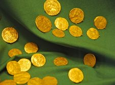 Free Golden Coins Royalty Free Stock Photos - 4668768