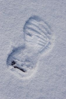 Free Trace Of Footwear Tractor Sole In Snow Stock Photo - 4669270