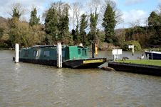 Free Narrowboat Moored On The River Thames Royalty Free Stock Images - 4669369
