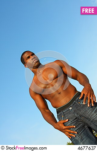 Free Muscular Man Flexing Royalty Free Stock Photography - 4677637