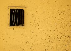 Free Wall With Ventilation Royalty Free Stock Photos - 4672418