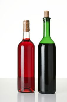 Free Bottles Of Wine Stock Photos - 4675463