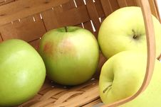 Free Basket Of Apples Stock Images - 4678204