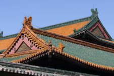 Free Chinese Dragon On Roof Stock Photography - 4687872
