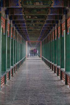 Free The Long Corridor Royalty Free Stock Photos - 4688698