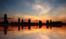 Free Mirrored Silhouette Skyline Royalty Free Stock Photo - 4692085