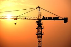 Free Steel Crane In The Twilight Stock Photography - 4692422