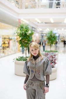 Free Pretty Girl Posing In A Mall Royalty Free Stock Photo - 4695315
