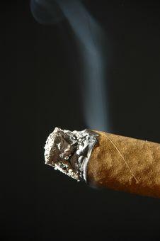 Free Smoking Cigar Royalty Free Stock Photo - 4698785