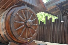 Free Wooden Well Royalty Free Stock Photos - 46975768