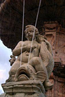 Free Detail On Fountain Royalty Free Stock Photo - 473835