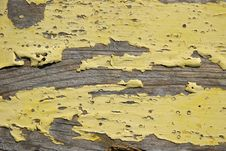 Free Yellow Peeling Warped Wood Royalty Free Stock Images - 477669